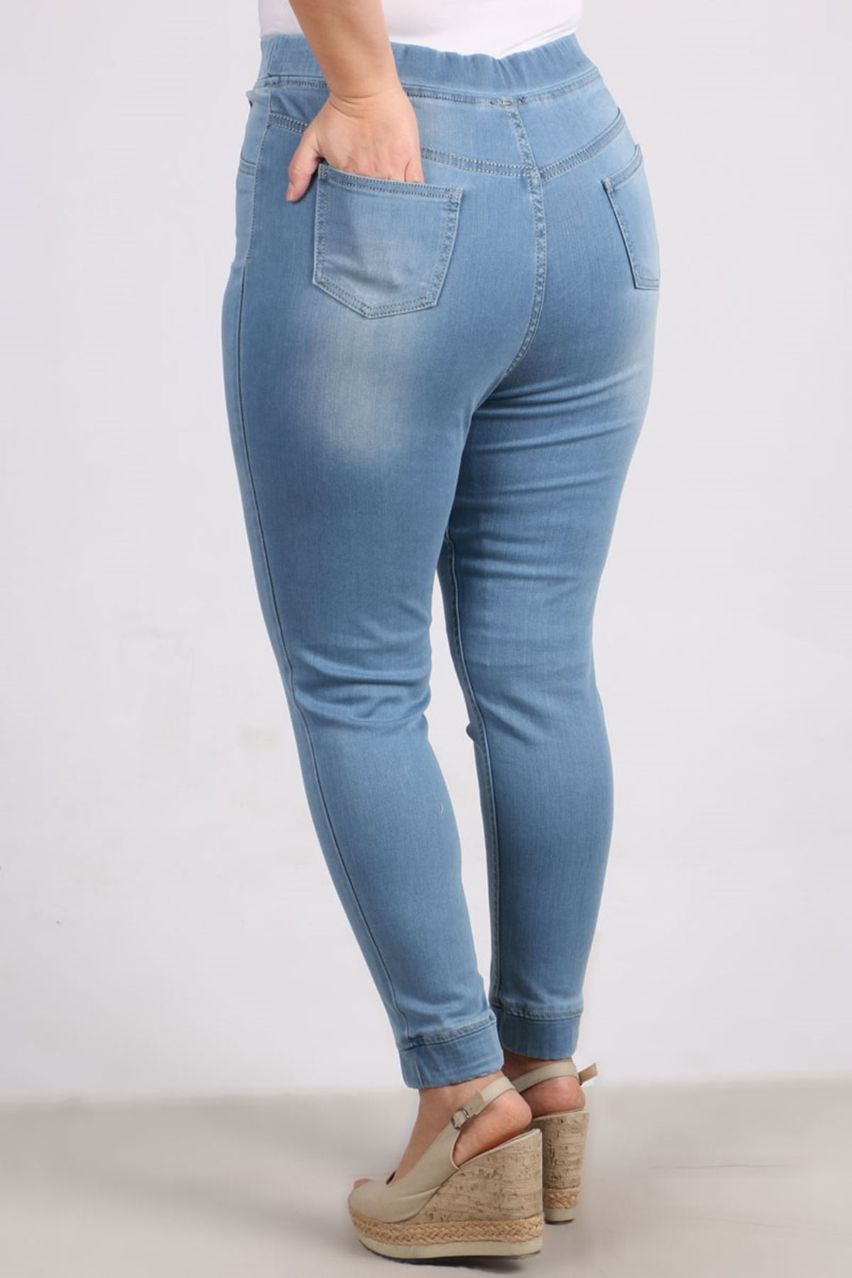 9139-1 Büyük Beden Beli Lastikli Taşlanmış Dar Paça Kot Pantalon-Buz Mavi