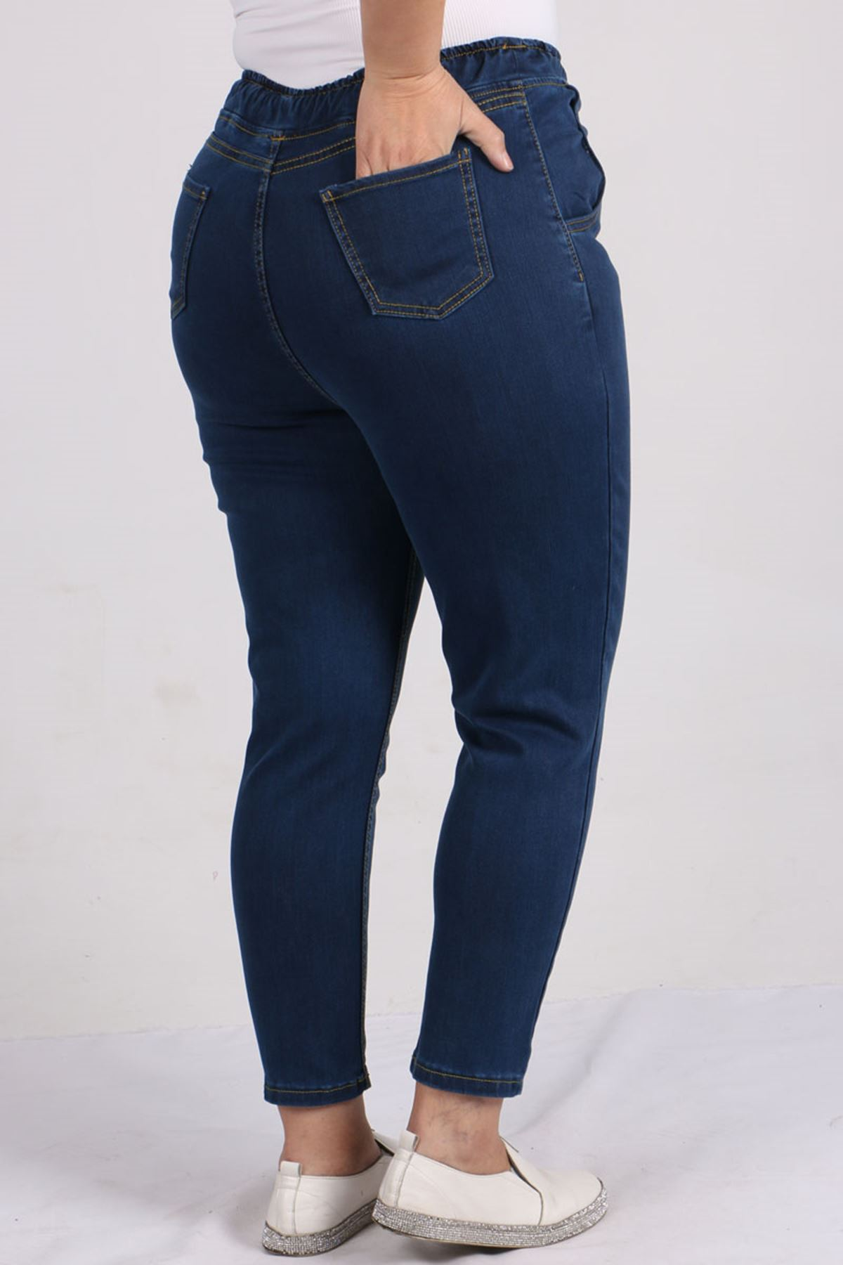 9136 Büyük Beden Beli Lastikli Mom Jeans Pantolon Koyu Mavi - Sarı