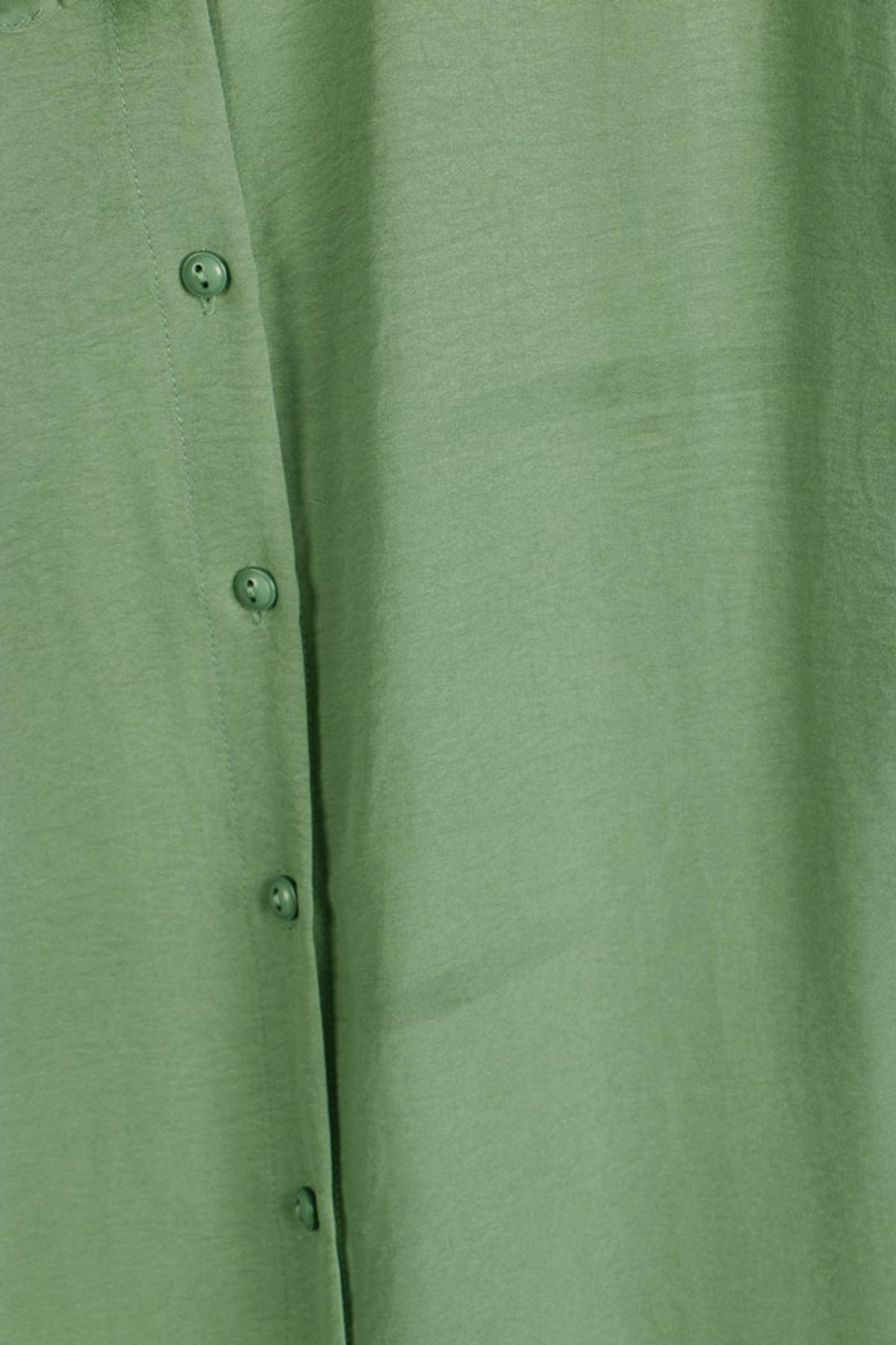 8458 Oversized Buttoned Shirt - Naphtha Green