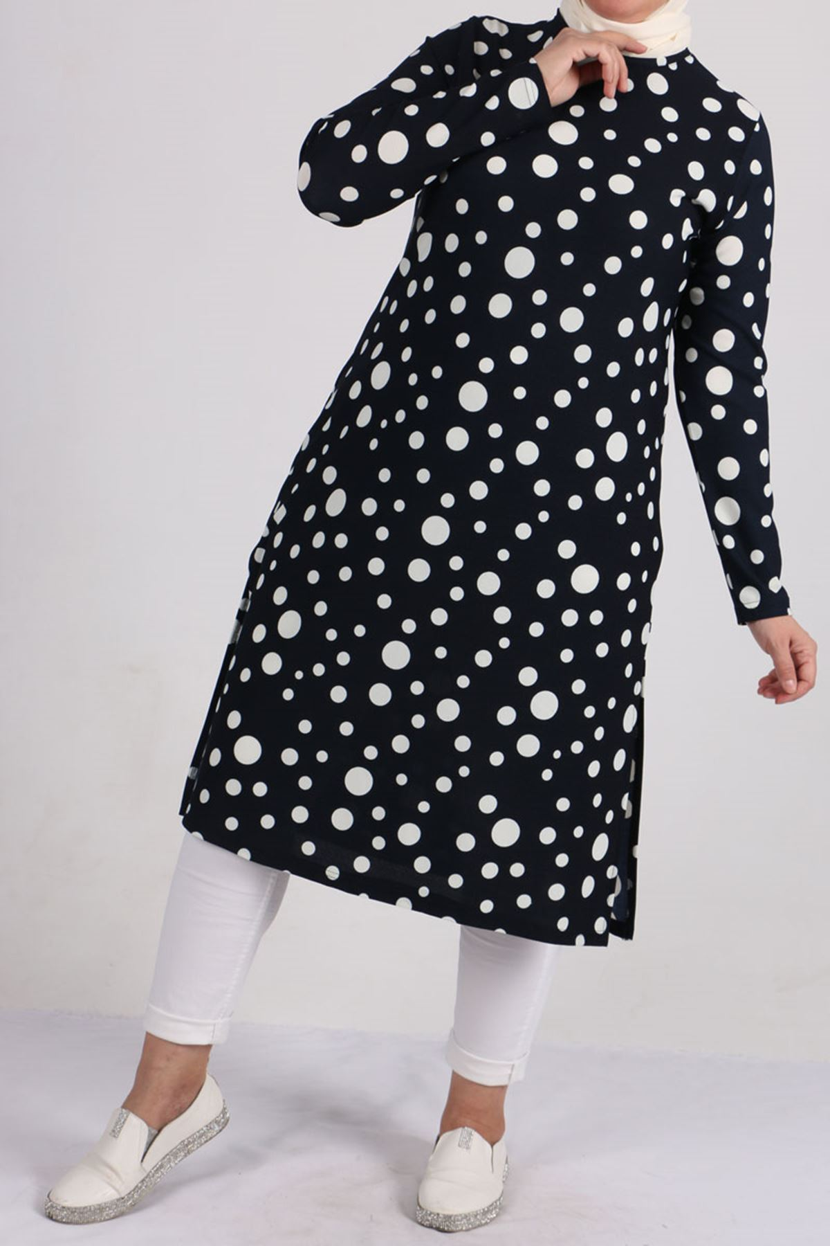 8463 Plus Size Knitted Crepe Tunic - Navy Blue Polka Dot