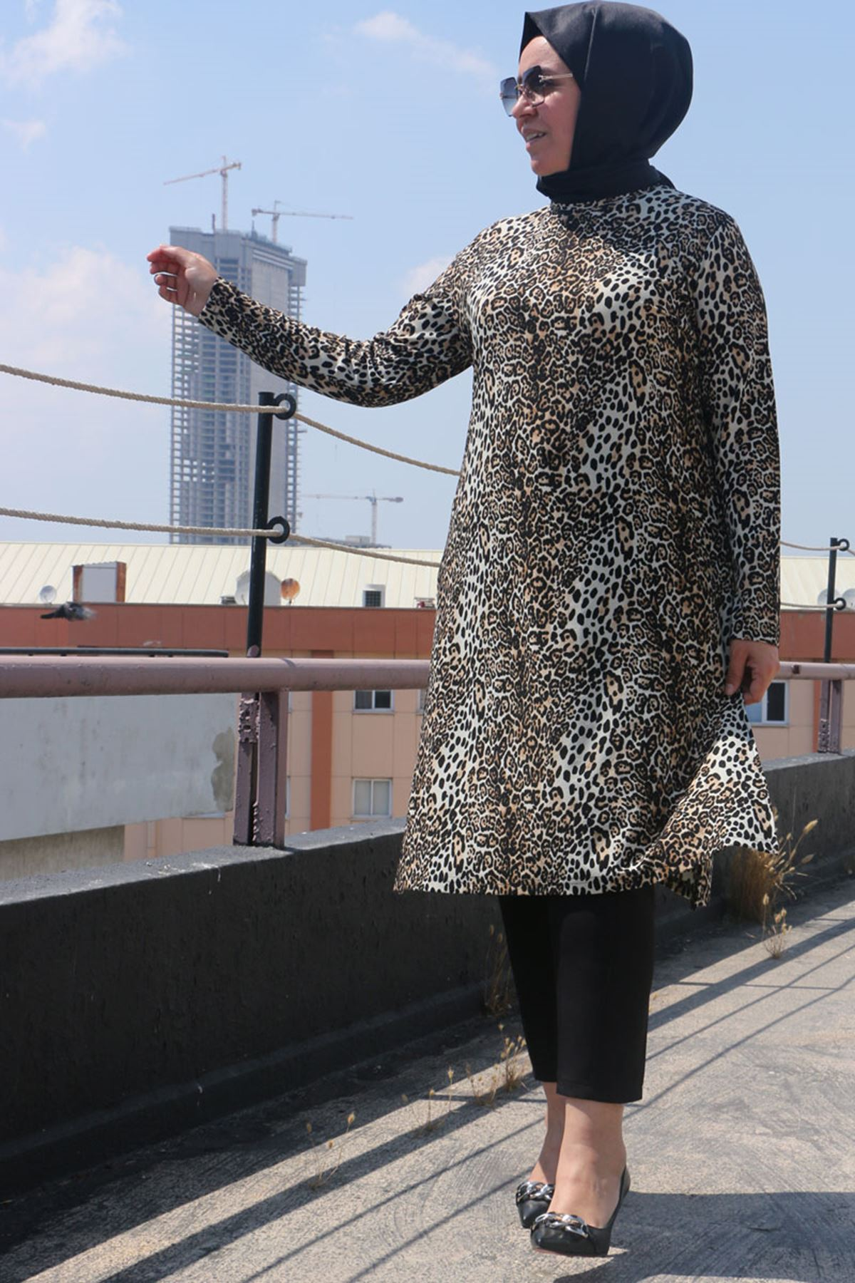 8463 Plus Size Knitted Crepe Tunic - Printed Black